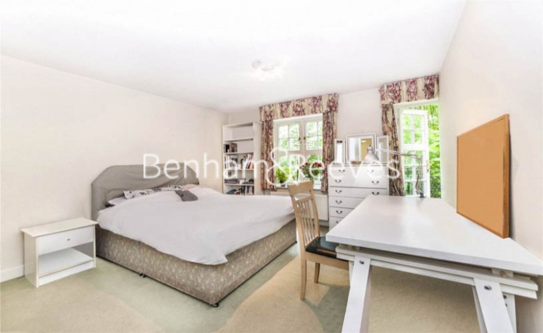 2 bedroom(s) flat to rent in Heathview Court, Golders Green, NW11-image 15