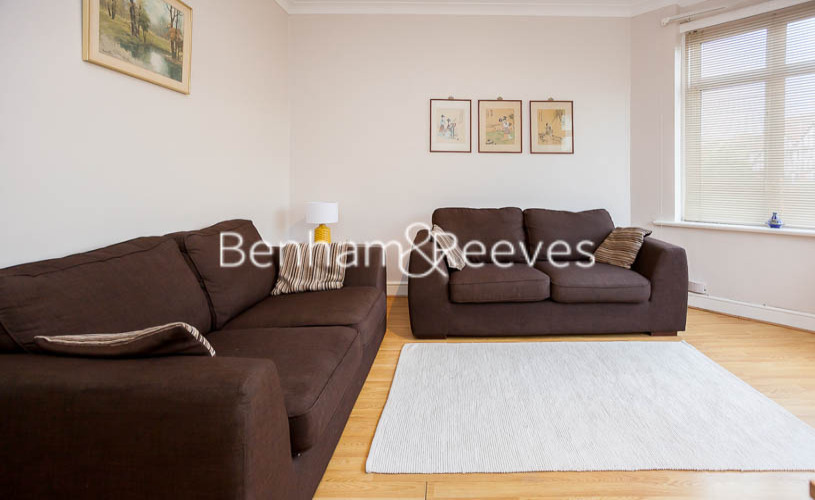 1 bedroom(s) flat to rent in Finchley Road, Golders green, NW11-image 1