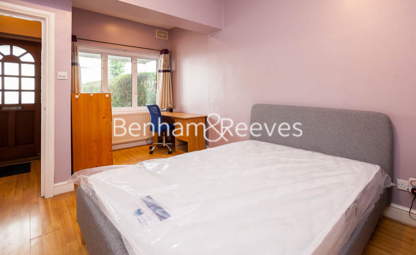 1 bedroom(s) flat to rent in Finchley Road, Golders green, NW11-image 8