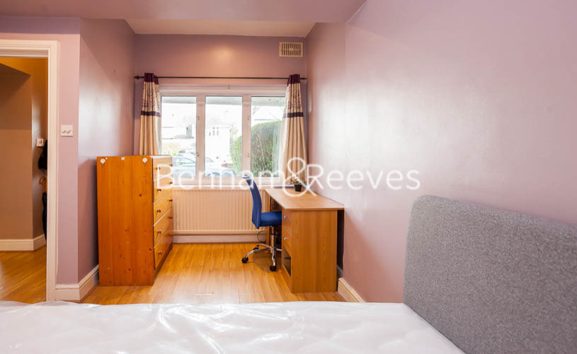 1 bedroom(s) flat to rent in Finchley Road, Golders green, NW11-image 11