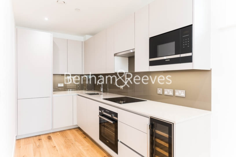 3 bedroom(s) flat to rent in Masefield Court ,Maida Vale ,W9-image 1
