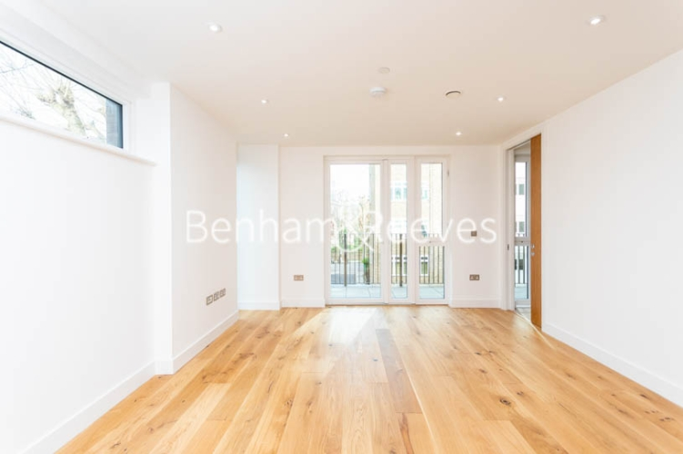 3 bedroom(s) flat to rent in Masefield Court ,Maida Vale ,W9-image 11