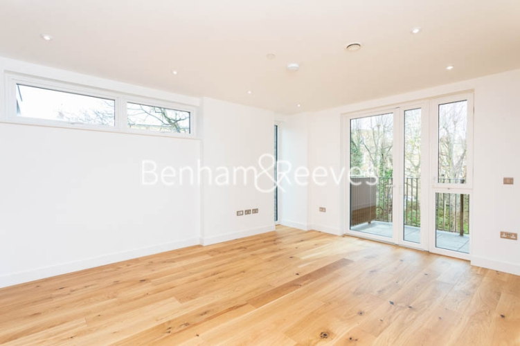 3 bedroom(s) flat to rent in Masefield Court ,Maida Vale ,W9-image 13