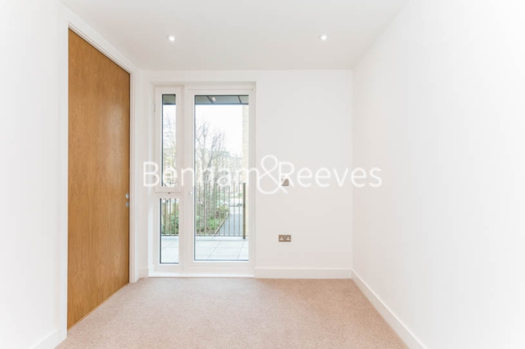 3 bedroom(s) flat to rent in Masefield Court ,Maida Vale ,W9-image 15
