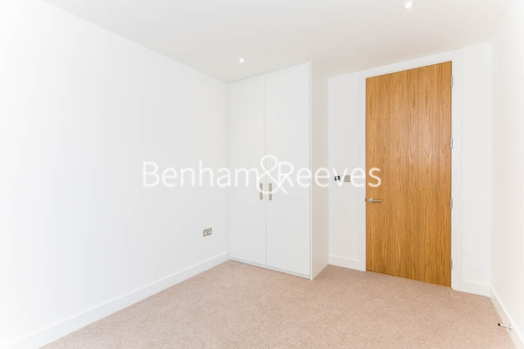3 bedroom(s) flat to rent in Masefield Court ,Maida Vale ,W9-image 17