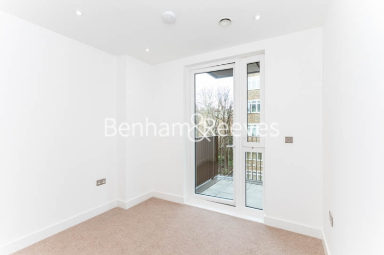 3 bedroom(s) flat to rent in Masefield Court ,Maida Vale ,W9-image 19