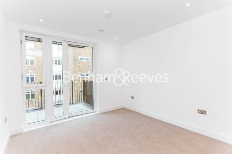 3 bedroom(s) flat to rent in Masefield Court ,Maida Vale ,W9-image 20