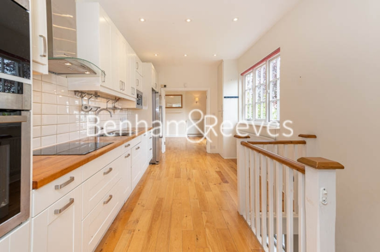 4 bedroom(s) flat to rent in Park Avenue, Hampstead, NW11-image 2