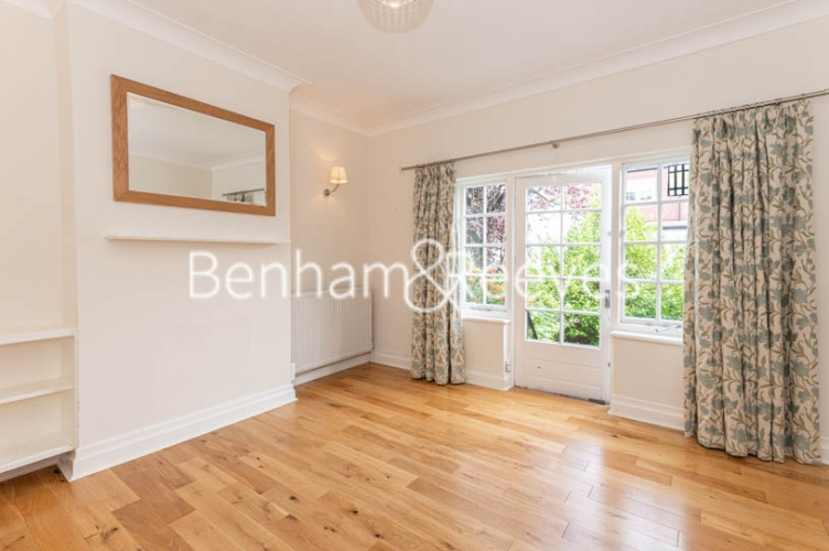 4 bedroom(s) flat to rent in Park Avenue, Hampstead, NW11-image 3