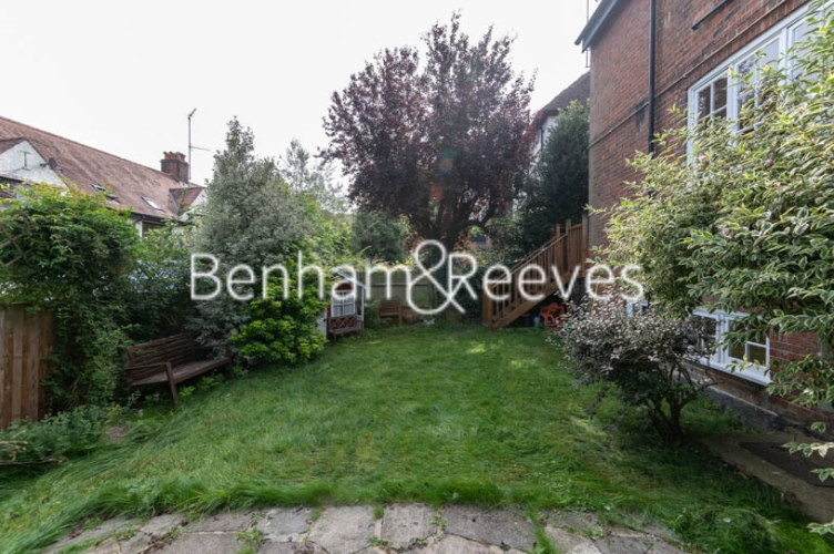 4 bedroom(s) flat to rent in Park Avenue, Hampstead, NW11-image 10