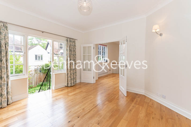 4 bedroom(s) flat to rent in Park Avenue, Hampstead, NW11-image 11