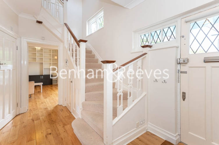 4 bedroom(s) flat to rent in Park Avenue, Hampstead, NW11-image 14