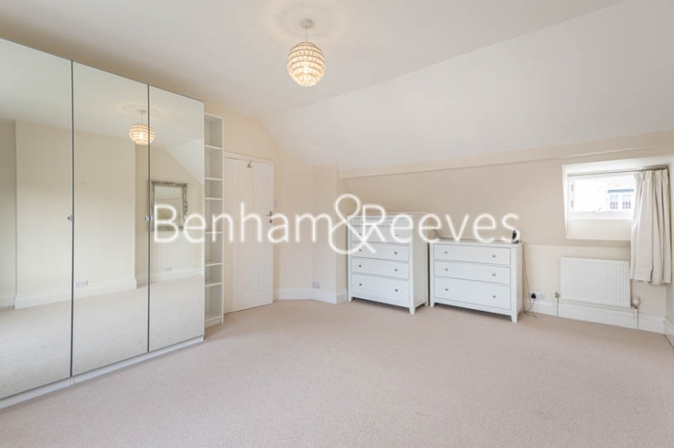 4 bedroom(s) flat to rent in Park Avenue, Hampstead, NW11-image 16