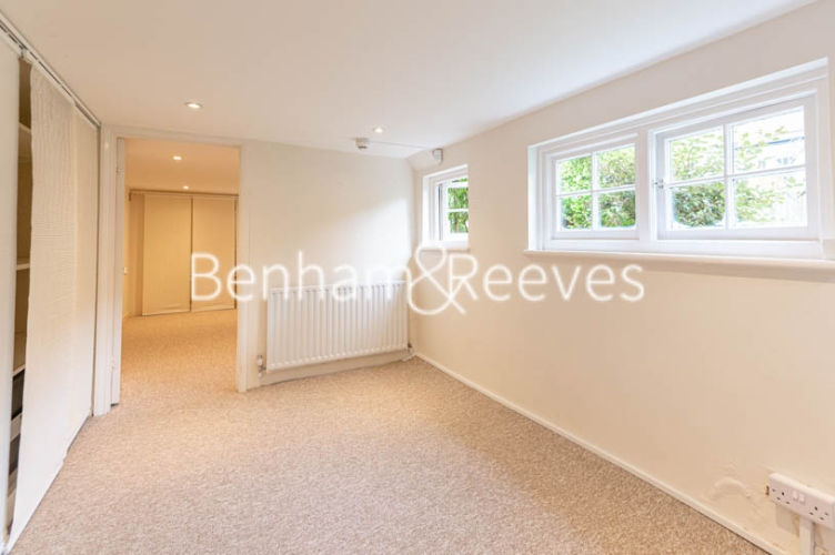 4 bedroom(s) flat to rent in Park Avenue, Hampstead, NW11-image 18
