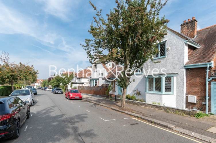 4 bedroom(s) flat to rent in Park Avenue, Hampstead, NW11-image 20
