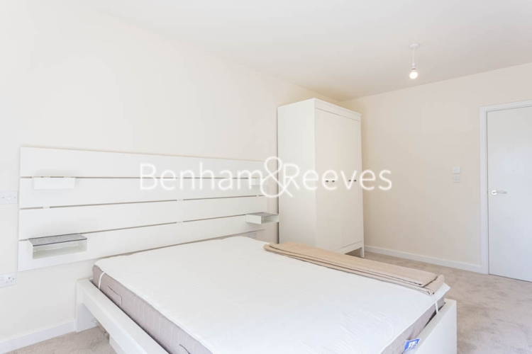 1 bedroom(s) flat to rent in Buttercup apartments, Mill Hill East, NW7-image 3