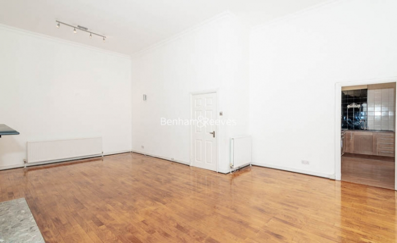 3 bedroom(s) flat to rent in Belsize Park, Hampstead, NW3-image 1