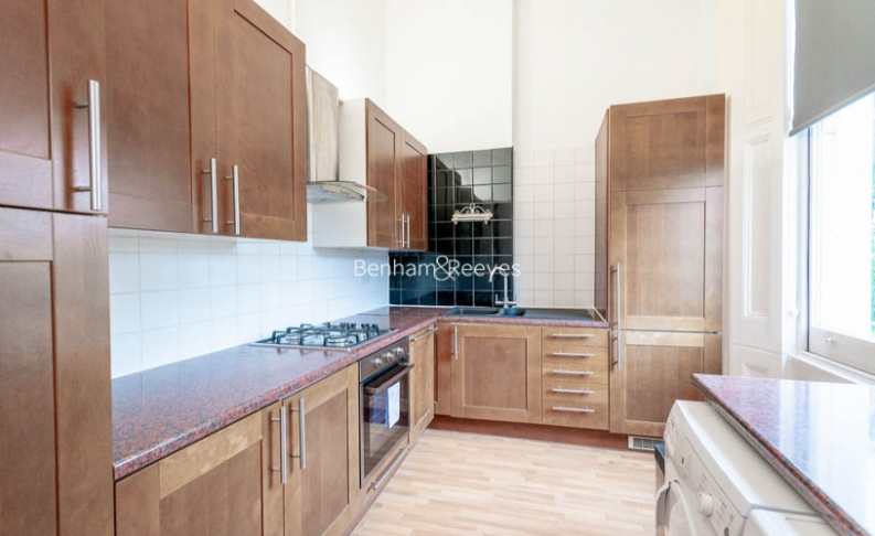 3 bedroom(s) flat to rent in Belsize Park, Hampstead, NW3-image 5