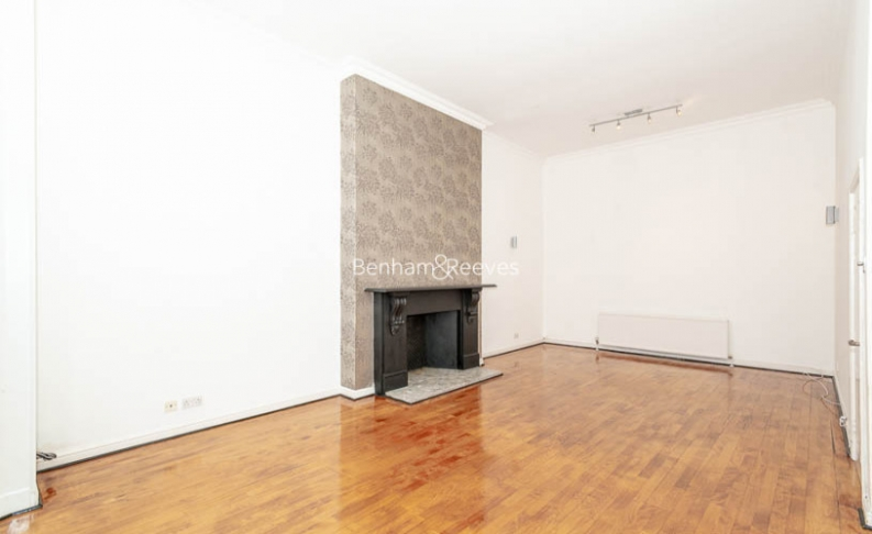 3 bedroom(s) flat to rent in Belsize Park, Hampstead, NW3-image 10