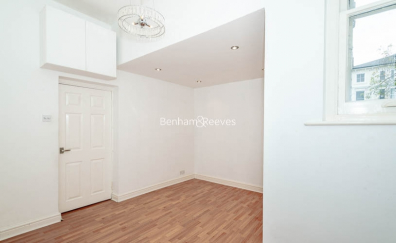 3 bedroom(s) flat to rent in Belsize Park, Hampstead, NW3-image 14