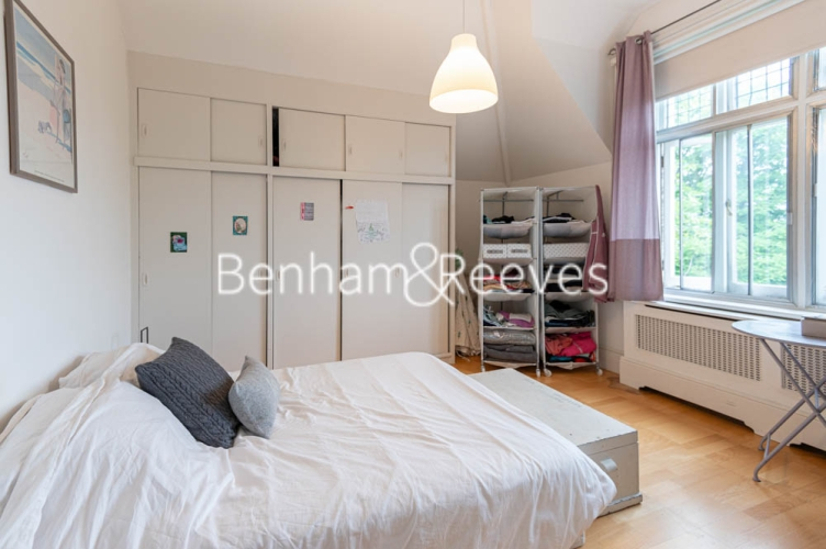 3 bedroom(s) flat to rent in Chesterford ,Chesterford Gardens NW3-image 3