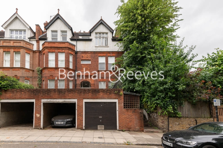 3 bedroom(s) flat to rent in Chesterford ,Chesterford Gardens NW3-image 5