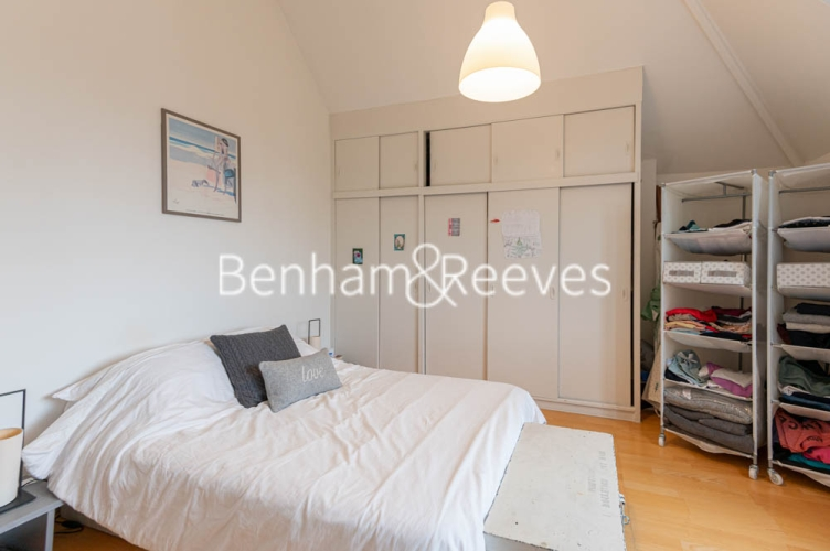 3 bedroom(s) flat to rent in Chesterford ,Chesterford Gardens NW3-image 8