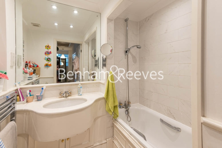3 bedroom(s) flat to rent in Chesterford ,Chesterford Gardens NW3-image 9
