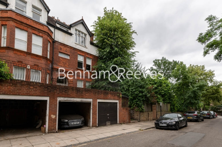 3 bedroom(s) flat to rent in Chesterford ,Chesterford Gardens NW3-image 11