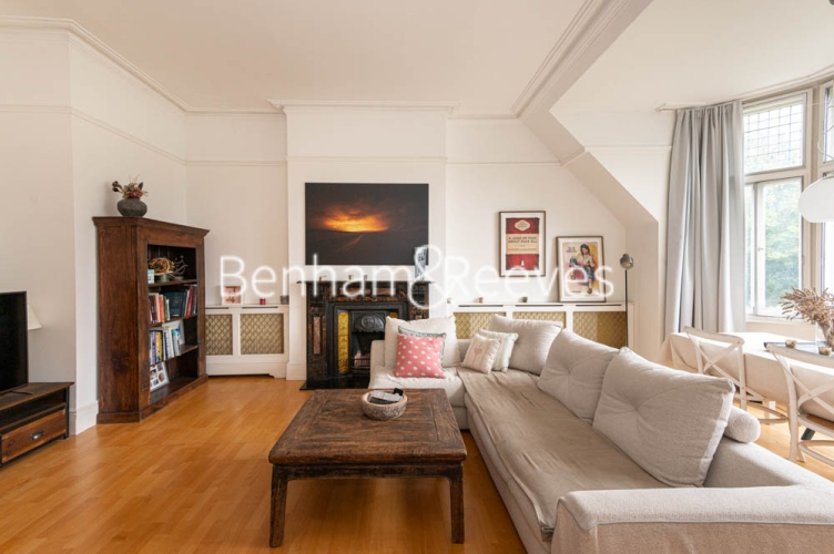 3 bedroom(s) flat to rent in Chesterford ,Chesterford Gardens NW3-image 12