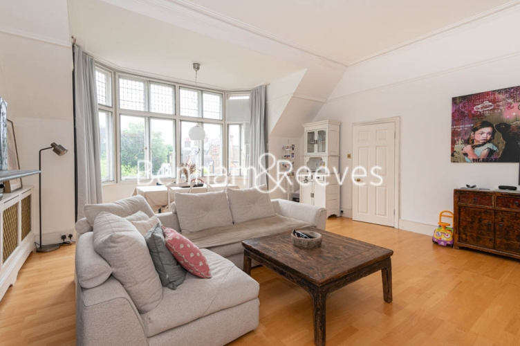 3 bedroom(s) flat to rent in Chesterford ,Chesterford Gardens NW3-image 16