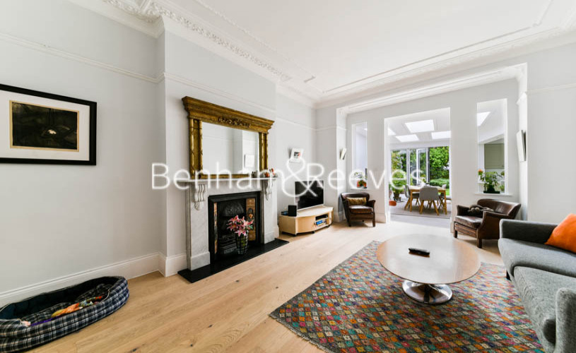 3 bedroom(s) flat to rent in Downside Crescent, Hampstead, NW3-image 1