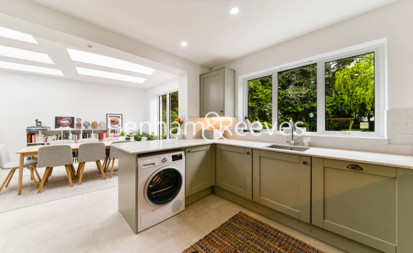 3 bedroom(s) flat to rent in Downside Crescent, Hampstead, NW3-image 8