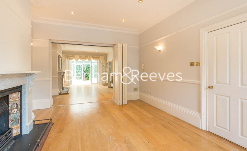 3 bedroom(s) flat to rent in South Hill Park, Hampstead, NW3-image 1