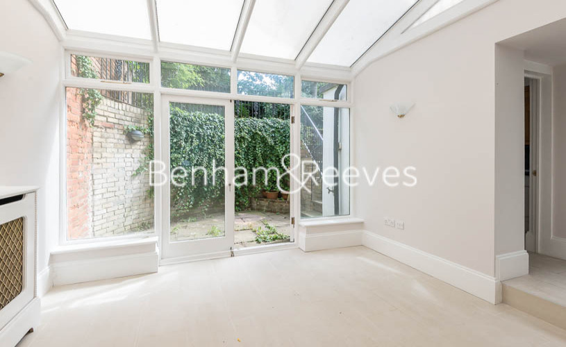 3 bedroom(s) flat to rent in South Hill Park, Hampstead, NW3-image 3