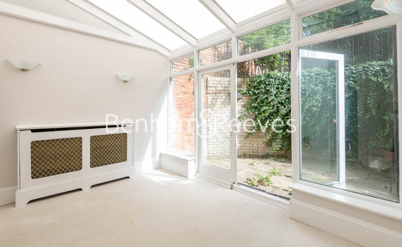 3 bedroom(s) flat to rent in South Hill Park, Hampstead, NW3-image 8
