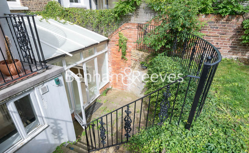 3 bedroom(s) flat to rent in South Hill Park, Hampstead, NW3-image 10