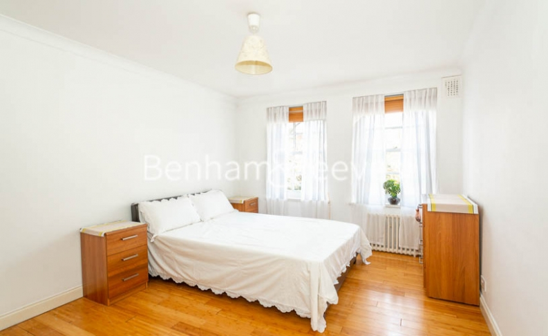 2 bedroom(s) flat to rent in Prince Arthur Road, Hampstead, NW3-image 4