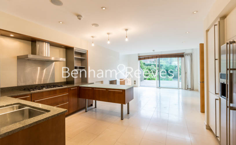 4 bedroom(s) house to rent in Oakhill Park Mews, Hampstead, NW3-image 2