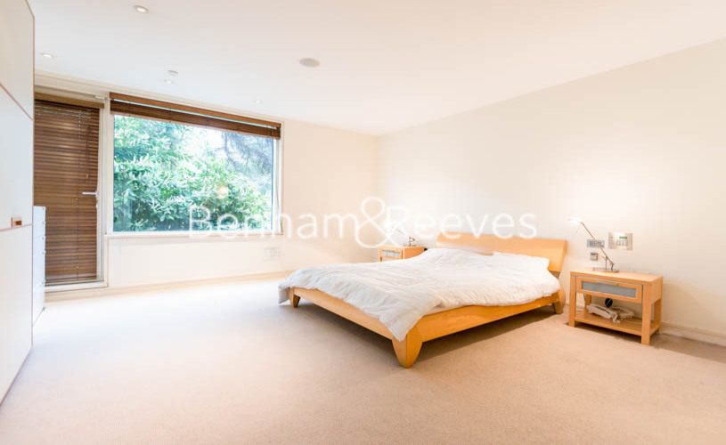 4 bedroom(s) house to rent in Oakhill Park Mews, Hampstead, NW3-image 3