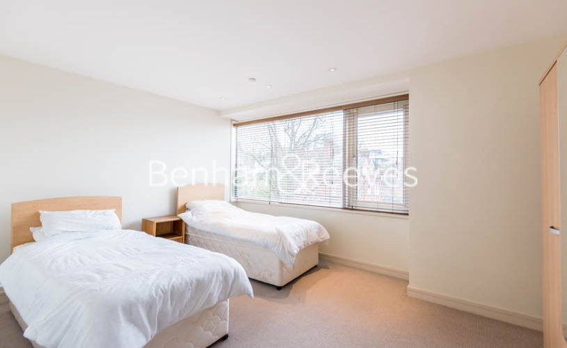 4 bedroom(s) house to rent in Oakhill Park Mews, Hampstead, NW3-image 12