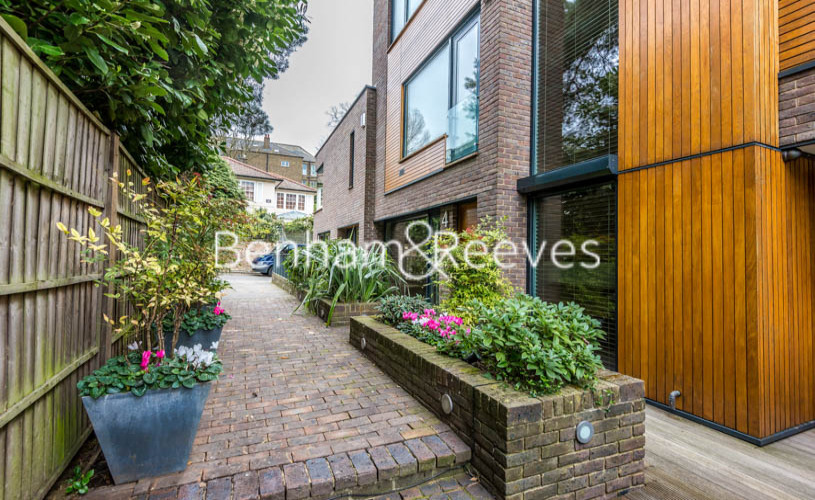 4 bedroom(s) house to rent in Oakhill Park Mews, Hampstead, NW3-image 13