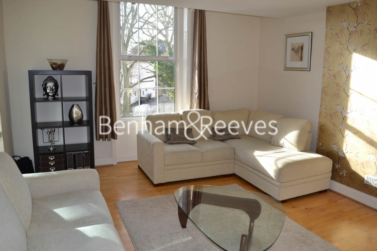 2 bedroom(s) flat to rent in Rosslyn Hill, Hampstead, NW3-image 1