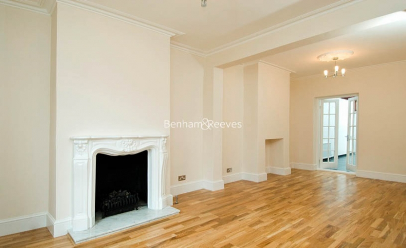 3 bedroom(s) house to rent in St John's Wood Terrace, St John's Wood, NW8-image 1