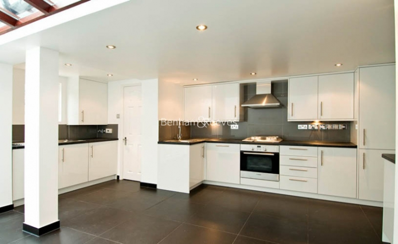 3 bedroom(s) house to rent in St John's Wood Terrace, St John's Wood, NW8-image 2