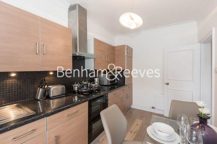 1 bedroom(s) flat to rent in Cadogan Place, Belgravia, SW1X-image 2
