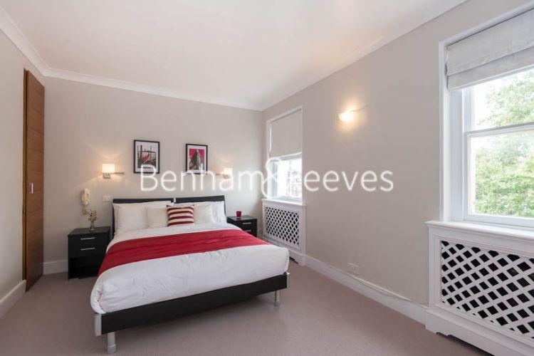 1 bedroom(s) flat to rent in Cadogan Place, Belgravia, SW1X-image 4