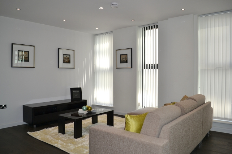 3 bedroom(s) flat to rent in Warwick Row, Buckingham Palace Road, SW1-image 1