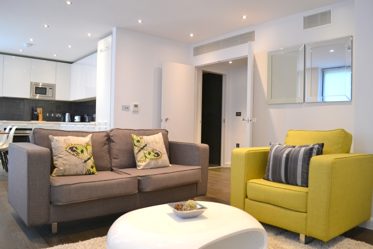 3 bedroom(s) flat to rent in Warwick Row, Buckingham Palace Road, SW1-image 2