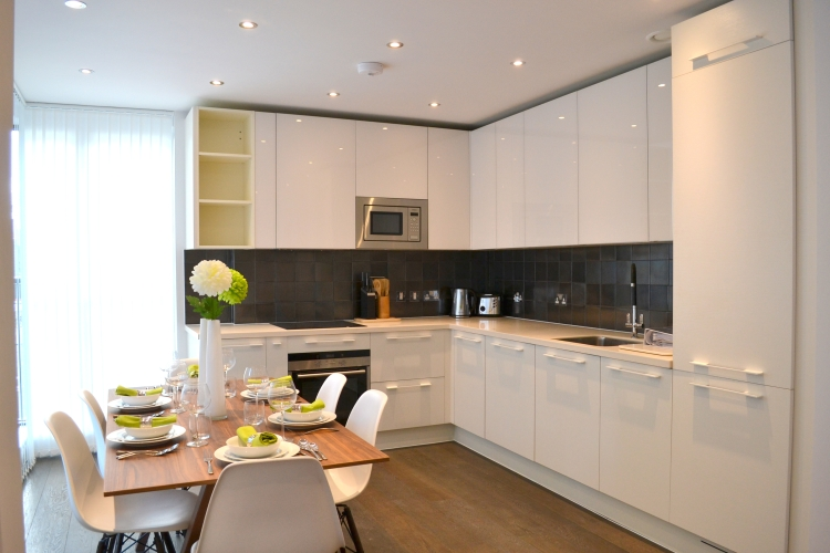 3 bedroom(s) flat to rent in Warwick Row, Buckingham Palace Road, SW1-image 5